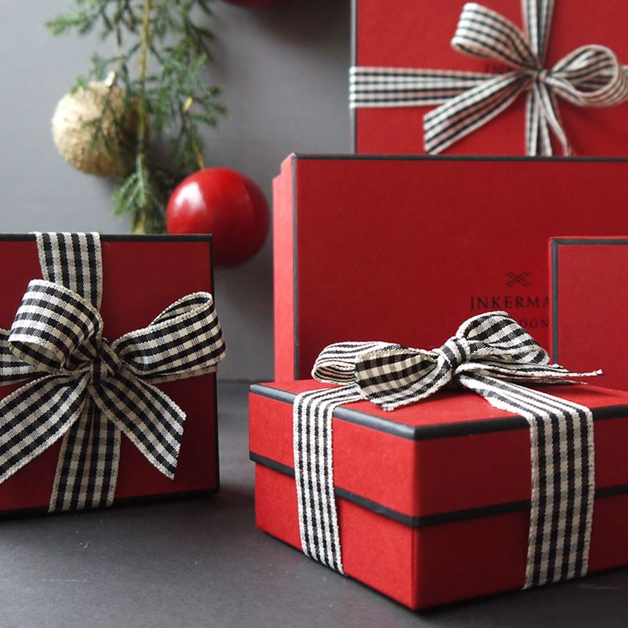 Why you should buy all your Christmas gifts online