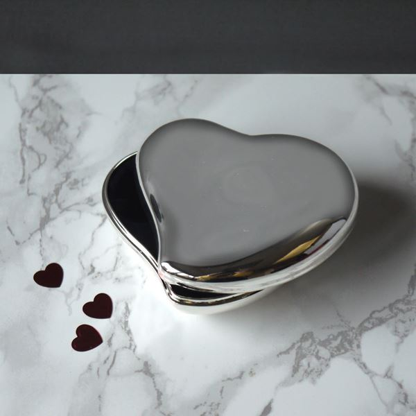 Picture of Silver Plated Heart Trinket Box