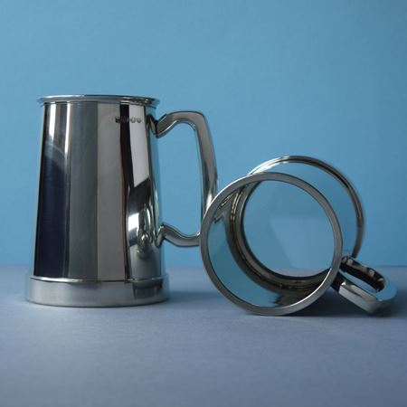 Tankard with pewter and glass base