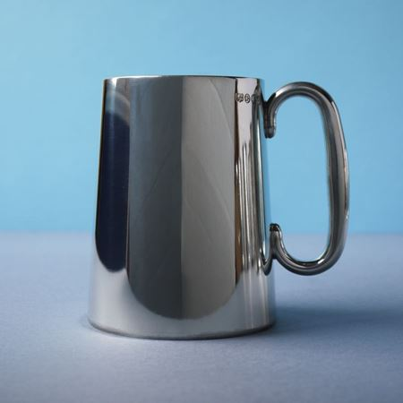 Pewter tankard straight sided