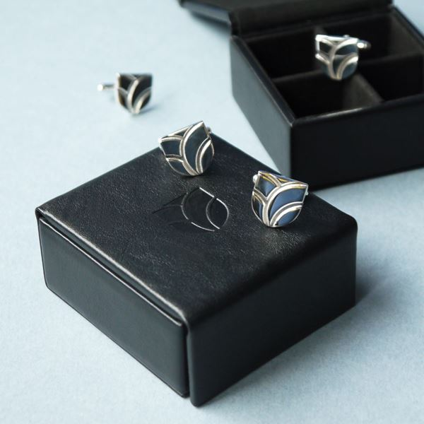 Cufflinks and cufflink box