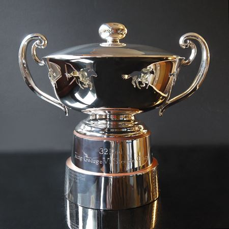 The design and creation of the 32 Red King George VI chase Trophy