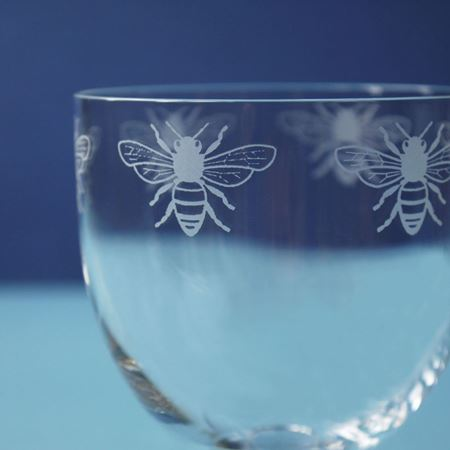Picture of A Pair of Bee Wine Glasses
