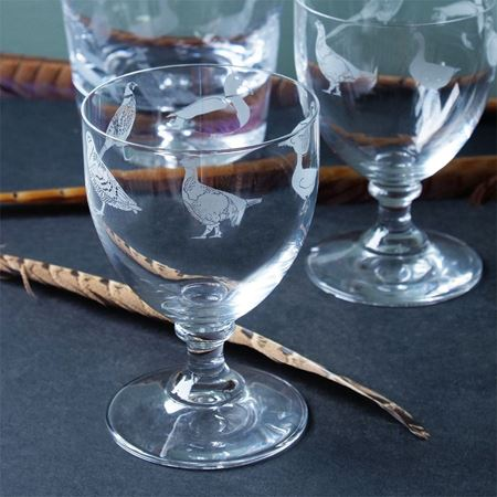 Picture of A Pair of Game Bird Wine Glasses