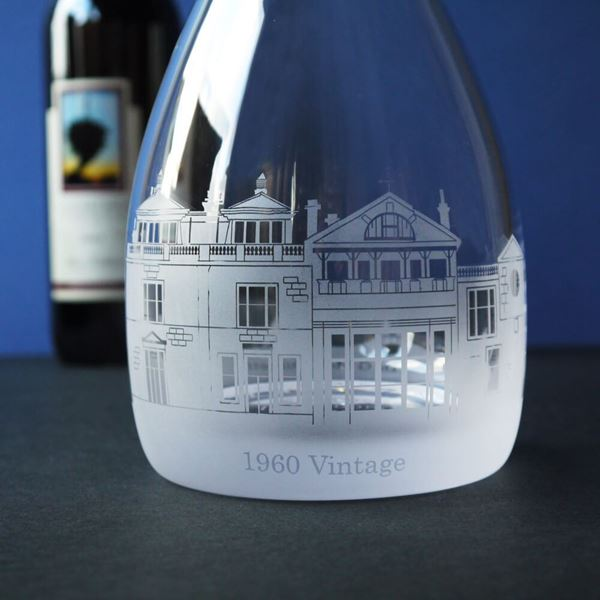 crystal-sporting-scene-decanter
